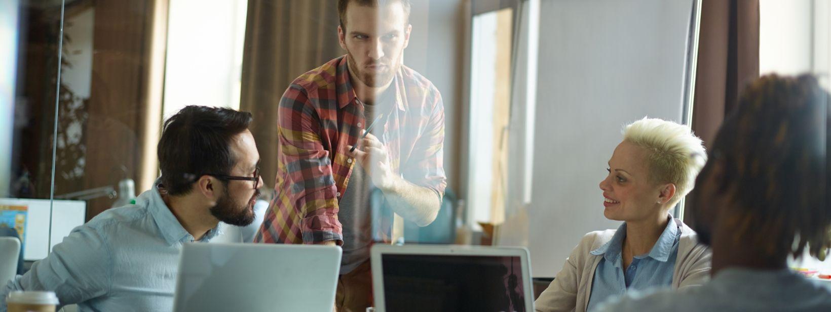 discussing-sales-FW5DTVU (1).jpg